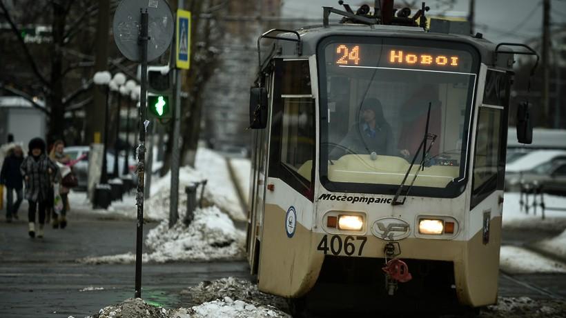 маршрут 3-его трамвая в москвея окно