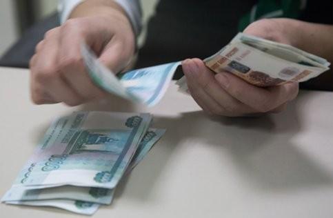 Реальные доходы россиян снизились в феврале на 4,1 процента – Росстат
