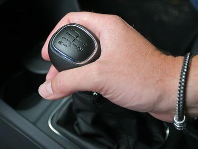 10 причин выбрать машину с механикой