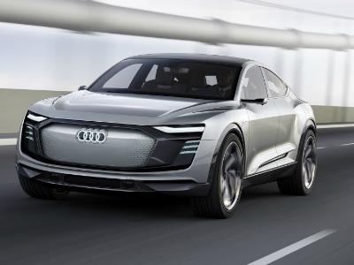 Audi оснастила концептуальный кроссовер e-tron тысячей диодов