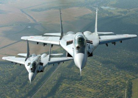 Летчики Су-34 и МиГ-29СМТ Западного военного округа отрабатывают элементы воздушного боя