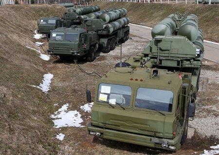 Расчеты ЗРС С-300 и С-400 «Триумф» ЗВО поразили высокоскоростные воздушные цели на учении в Астраханской области