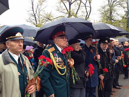 Делегация Московской области возложила венки к Могиле Неизвестного Солдата