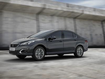 Peugeot привезла в Россию новый седан 408