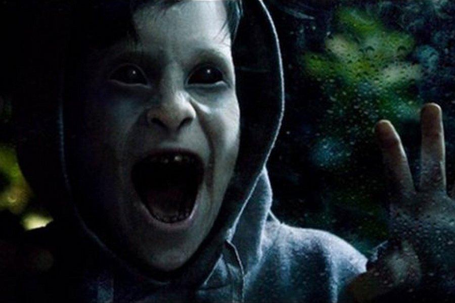 Исследователь паранормальных явлений сделал фото существа в виде ребенка с черными глазами