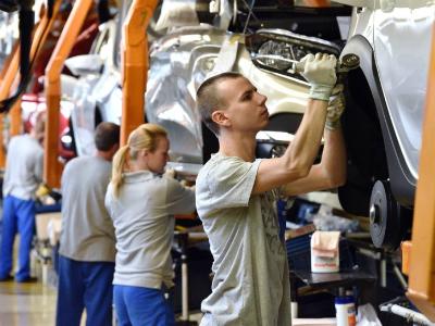 «АвтоВАЗ» повышает зарплаты сотрудникам