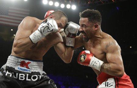 Боксер Уорд выразил уважение Ковалеву после победного поединка