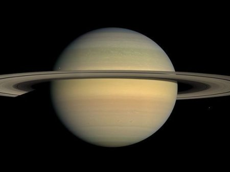 Отправляясь навстречу гибели, зонд «Кассини» сфотографировал рассвет на Сатурне