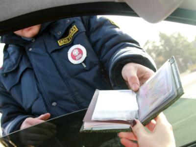 Водительские права белорусов могут легализовать в России