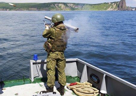 На Камчатке бойцы отряда специального назначения провели учение с боевой стрельбой