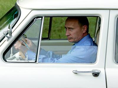 Путин призвал МВД быть «построже слихачами»