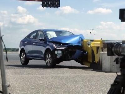 Видео: Hyundai провела краш-тест с живым человеком
