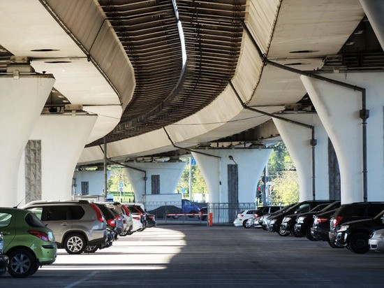За парковку в новостройке придется отдать миллион