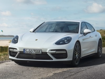 Porsche представил плагин-гибрид Panamera Sport Turismo