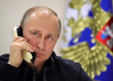 Путин и Макрон обсудили по телефону ситуацию вокруг КНДР