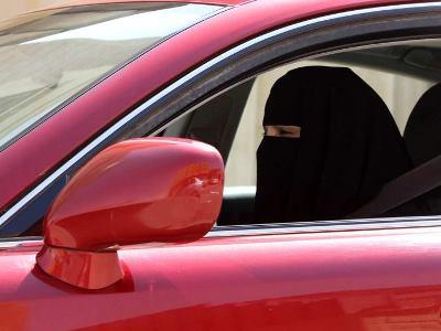Женщин Саудовской Аравии пустят за руль