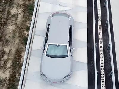 Lamborghini вновь показала кроссовер на видео