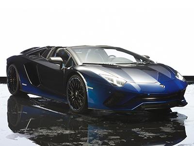 Лимитированный суперкар Lamborghini красят 170 часов