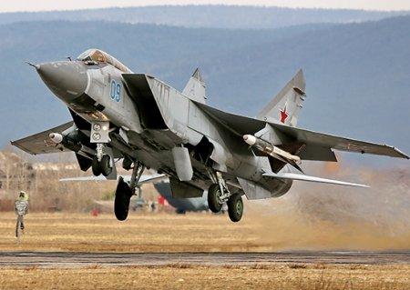 Модернизированные МиГ-31БМ поступили по гособоронзаказу в Центральный военный округ