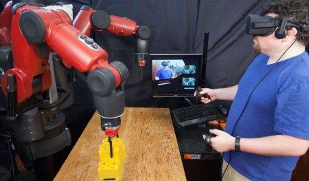 В MIT научились ворочать роботами с поддержкой виртуальной реальности