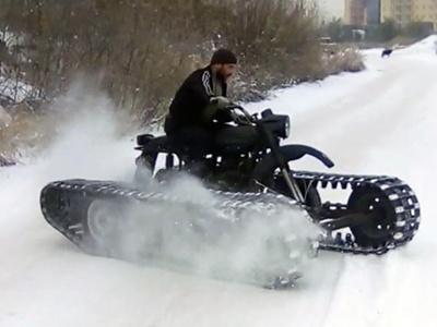 Видео: Умелец пересадил мотоцикл «Урал» нагусеницы