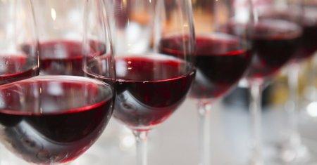 Взаправду ли красное вино омолаживает?
