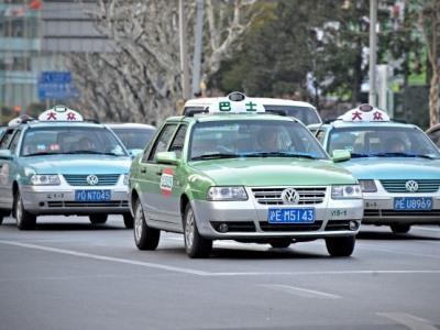 Крутые шашечки: самые массовые автомобили такси в мире