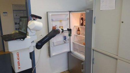 #видео | Немецкие инженеры научили робота подавать пиво