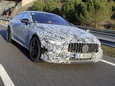 Mercedes-AMG представит мощное четырехдверное купе в Женеве