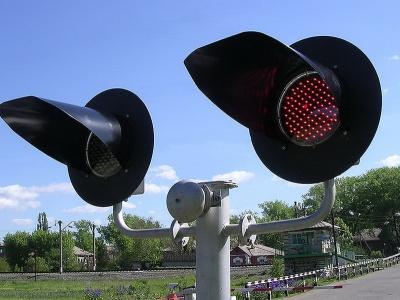 Названо время простоя дорог из-за железнодорожных переездов
