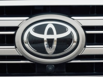 Toyota опубликовала первое изображение нового Auris