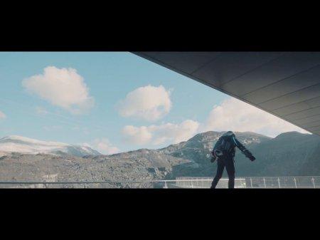 Ричард «Железный человек» Браунинг пролетел по самому длинному зиплайну в Европе