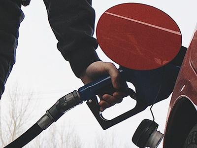 Эксперты: стоимость бензина на АЗС скоро устремится вверх