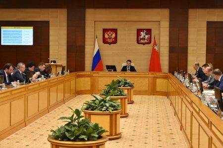 Подготовку к Дню Победы и рейтинг управкомпаний Подмосковья обсудили в правительстве