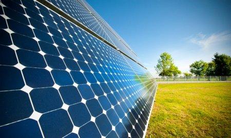 Созданы сверхтонкие солнечные батареи, которые можно крепить на одежду