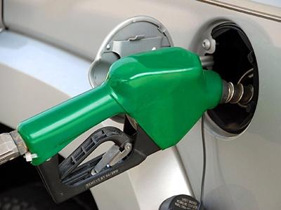 Кремль прокомментировал ситуацию с резким ростом цен на бензин