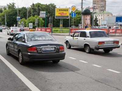 Депутат предложил записывать происходящее в машинах такси