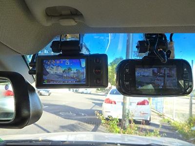 В автомобилях такси могут появиться два видеорегистратора
