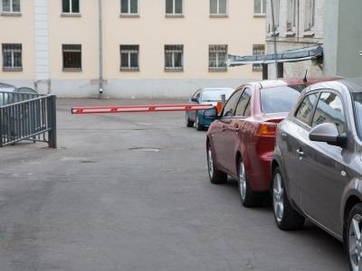 Верховный Суд признал парковку во дворах незаконной
