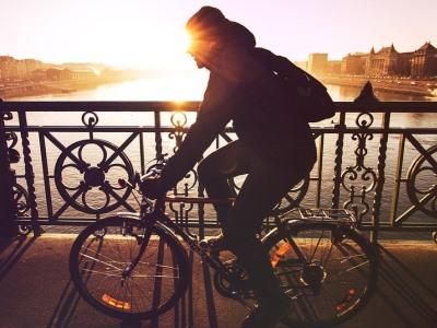 Медведев наделил велосипедистов приоритетом