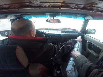 Суровые сибиряки показали, как прогреть салон авто в -40 по Цельсию
