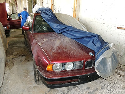 11 новеньких BMW 5 Series в кузове E34 обнаружены на складе