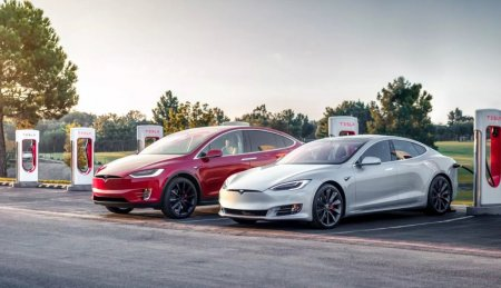 Автомобили Tesla Model S и Model X сменили названия, характеристики и цены