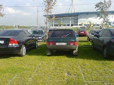 Парковка на газонах будет караться повсеместно