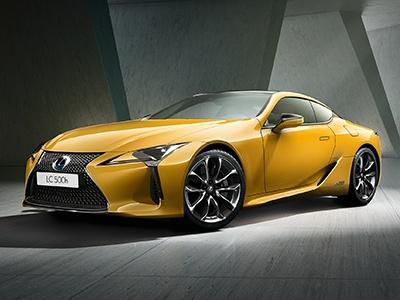 Lexus объявил старт продаж ярко-желтого спорткупе LC 500