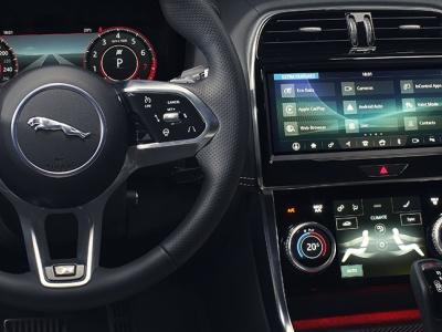 Главный дизайнер Jaguar признался в ненависти к сенсорным экранам