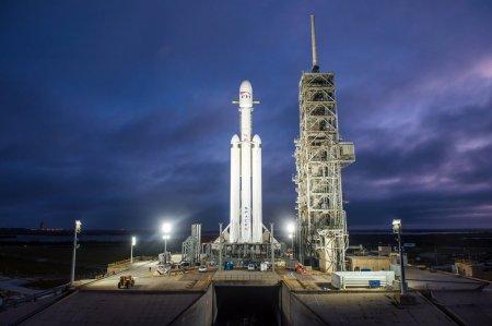 Первый серьезный запуск Falcon Heavy: новая эпоха освоения космоса тяжелыми ракетами