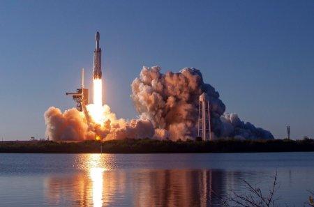 SpaceX потеряла успешно приземлившуюся основную ступень ракеты Falcon Heavy