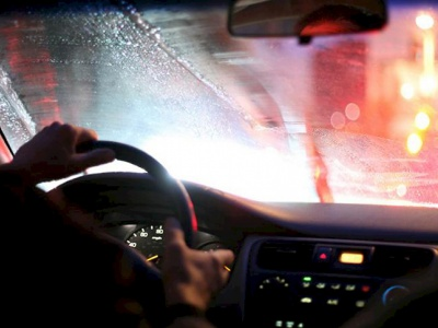 Почему потеют окна в автомобиле и как решить проблему