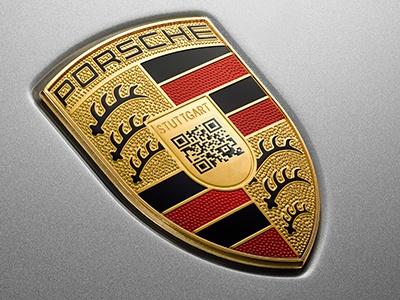 Porsche опубликовала шуточный логотип с посланием на 1 апреля